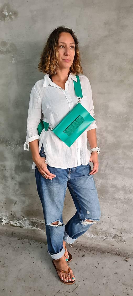 Kabelky - GREEN kožená ľadvinka alebo kabelka - 13546098_