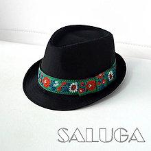 Čiapky - Folklórny klobúk - čierny - ľudový - zelený - 13550976_