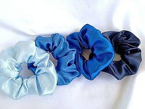 Ozdoby do vlasov - Odtiene modrej- Gumičky Scrunchies saténové  - 13550452_