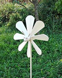Dekorácie - Záhradná včela- vrtuľka - 13550031_