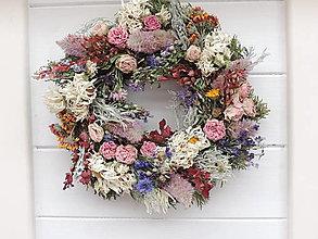 Dekorácie - Veniec zo sušených kvetov - 13553360_