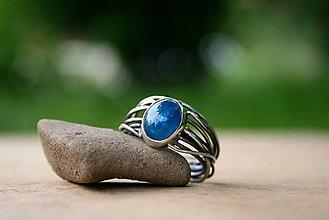 Prstene - Strieborný prsteň s apatitom - 13552776_