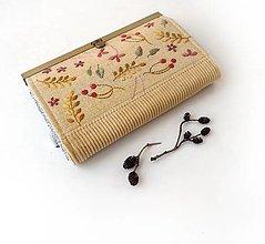 Peňaženky - Peňaženka s priehradkami Rastlinky na žltej - 13552112_