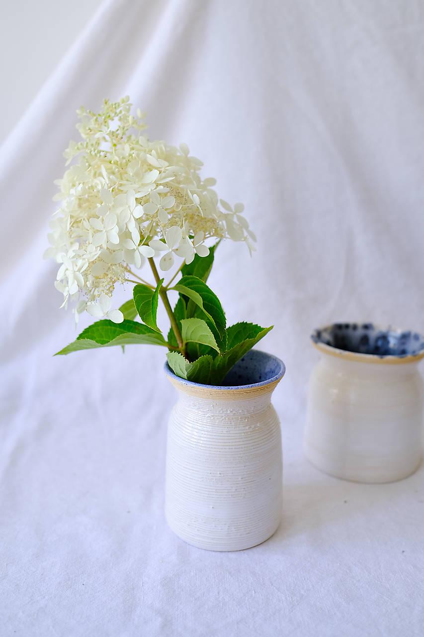 Textúrovaná váza z kolekcie Ráno