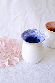 Nádoby - Bud váza z kolekcie Ráno (Vnútri modrá, zvonku biela) - 13552861_