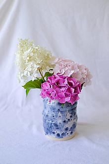 Nádoby - Swirly váza z kolekcie Ráno (Svetlá so sivými výkvetmi) - 13553249_
