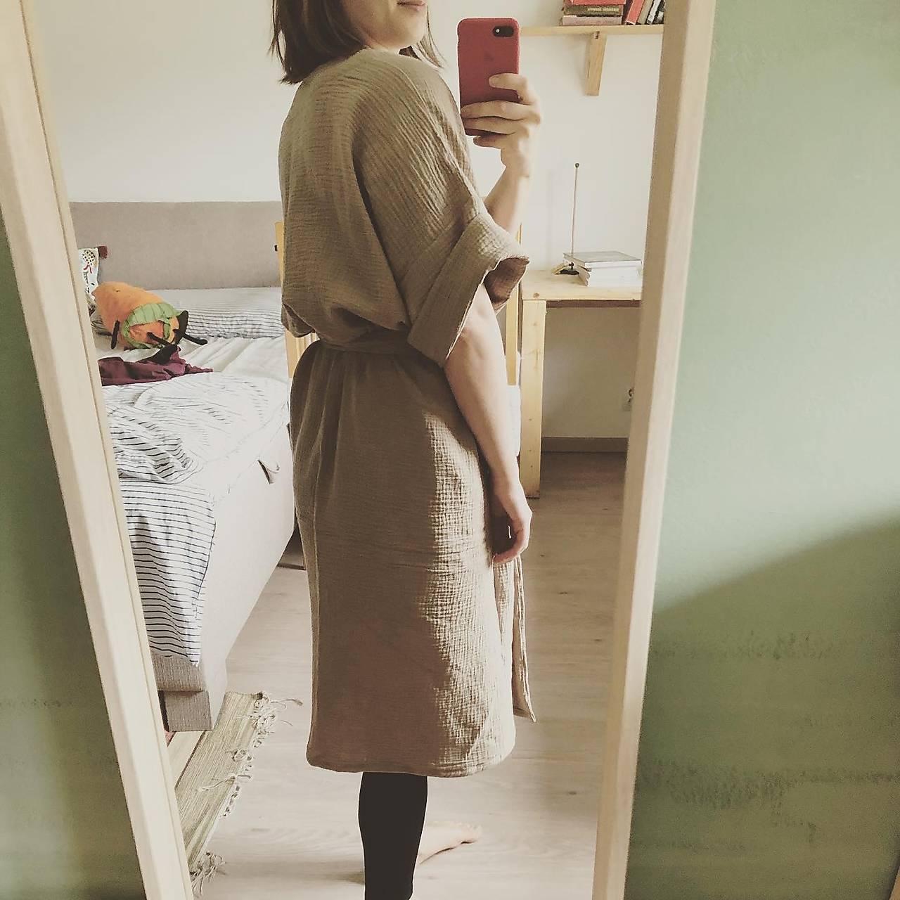 miljö mušelínové šaty - mjuk