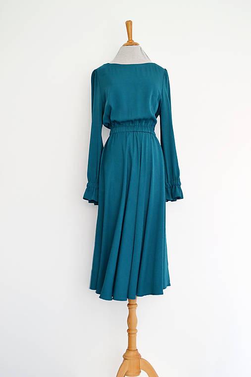 Petrolejové viskózové šaty s elastickým pásom