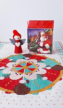 Úžitkový textil - Mikuláš, 41 x  64 cm, krížiková výšivka - 13556619_