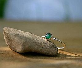 Prstene - Strieborný prstienok so smaragdovým avanturínom - 13557585_