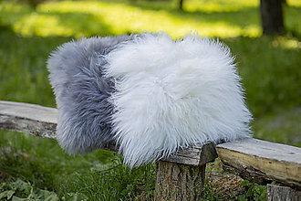 Úžitkový textil - Vankúš z ovčej kožušiny - 13556763_