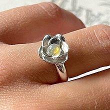 Prstene - Rose Ethiopian Opal Ring Ag925 / Strieborný prsteň s etiópskym opálom - 13558437_