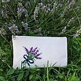 Taštičky - Filcová taštička s výšivkou levanduľa - 13566443_