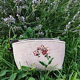 Peňaženky - Vyšívaná peňaženka - lúčny kvet - 13566465_