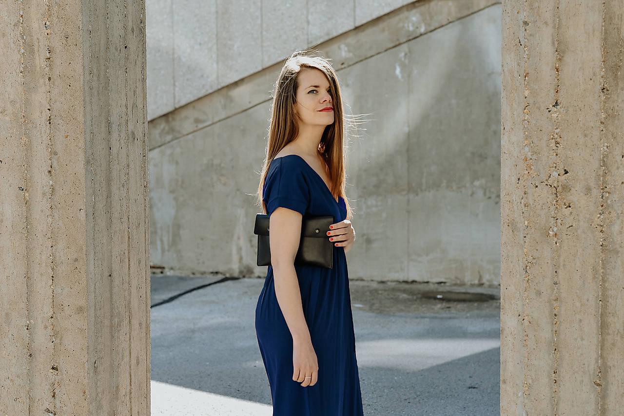 Šaty Dark Blue Switch