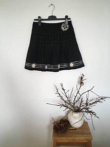 Sukne - Skladaná tmavošedá suknička - 13572101_