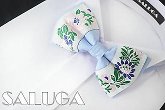 Doplnky - Pánsky folklórny motýlik - svetlo-modrý - 13573885_