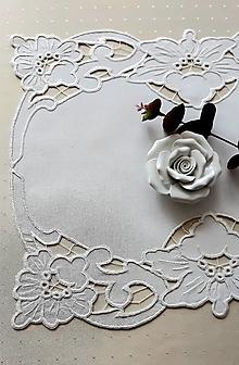 Úžitkový textil - Richelieu - Kvety-biela, 40 x 48 cm - 13575707_