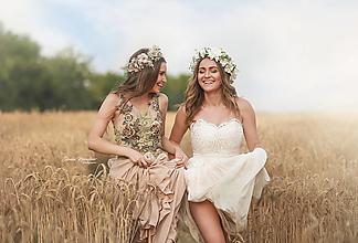 Ozdoby do vlasov - Béžový kvetinový venček - 13577227_