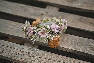 Ozdoby do vlasov - Béžový kvetinový venček - 13579173_
