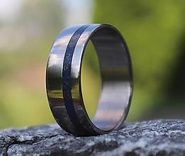 Prstene - SKLADOM - Titánový prsteň Lapis Lazuli - 13588685_