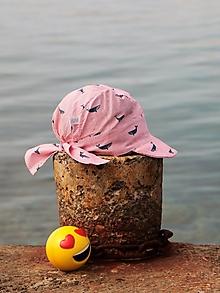 Detské čiapky - Letný detský šilt veľryby - 13591086_