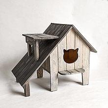 Pre zvieratá - Mačací domček na záhradu s verandou a výhliadkou - 13590450_