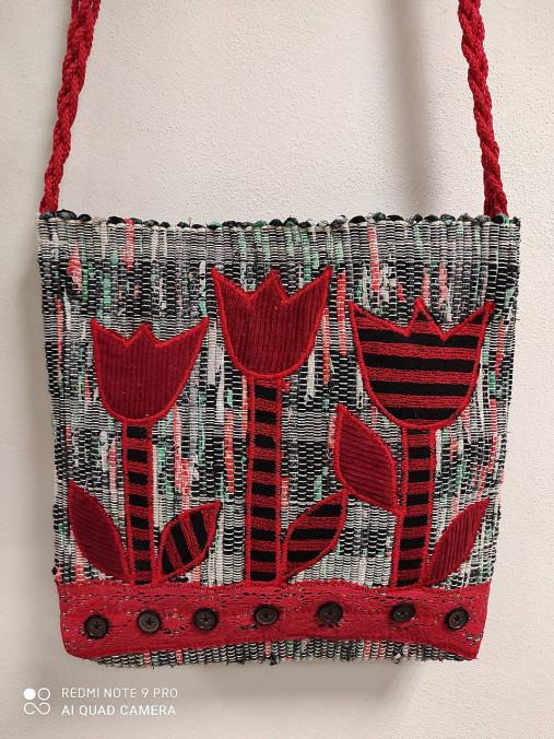 Ručne tkana taška červené tulipány