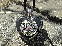 "Náhrdelníky - Org. šperk ,, Lotos ochrany aury "" - 13596268_"