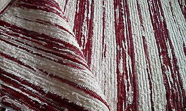 Úžitkový textil - Koberček s bordó pruhmi - 13603902_