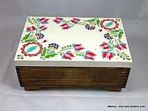 Krabičky - drevená šperkovnica Rozkvitnutá s červenými tulipánmi - 13601535_