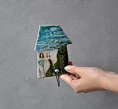 Nábytok - vešiak dom s jedným hákom tyrkysový - 13601891_