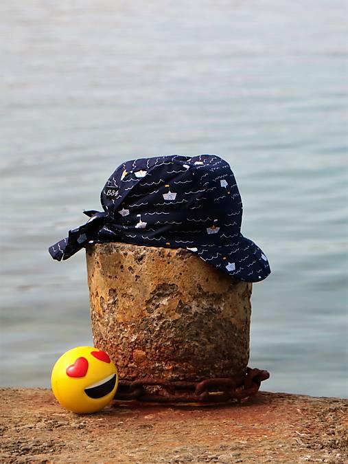 Letný detský šilt loďky tmavomodrý