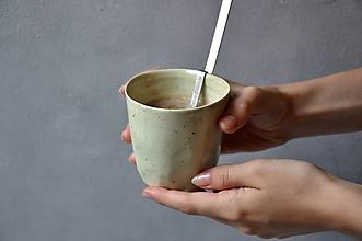 Nádoby - Šálka pohár zelený - 13607962_