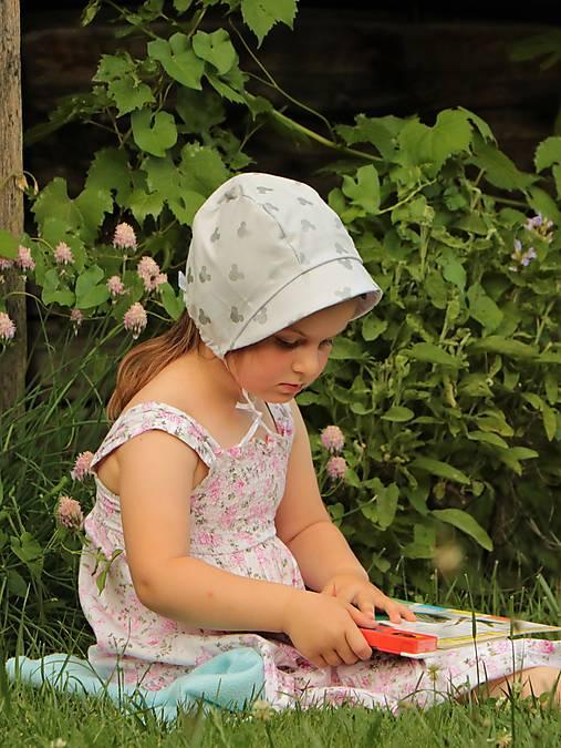 Letný detský čepček ušaté hlávky svetlošedý