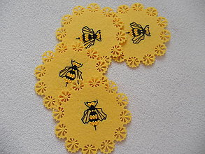 Úžitkový textil - Osičky (ručne vyšívané podšálky) - 13612999_