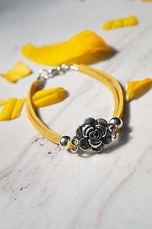 Náramky - Náramok s ružou žltý - 13613836_
