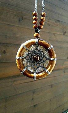 Náhrdelníky - Makramé náhrdelník Mandala slnečnej energie - 13612752_