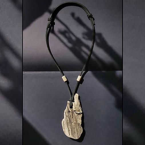 Drevený náhrdelník