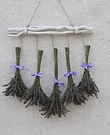 Dekorácie - Levanduľová nástenná vidiecka dekorácia - 13617292_