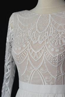 Šaty - Svadobné šaty z geometrickej krajky s tylovou sukňou - 13620319_