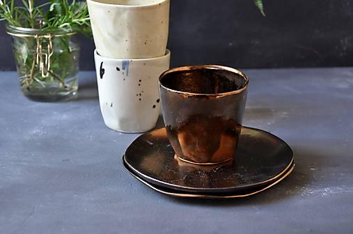 Dezertný tanier kovový, bronzový