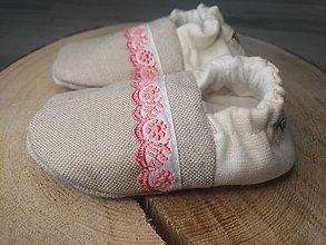 Detské topánky - Capačky prírodné s ružovou krajkou 3-6 mesiacov - 13624974_