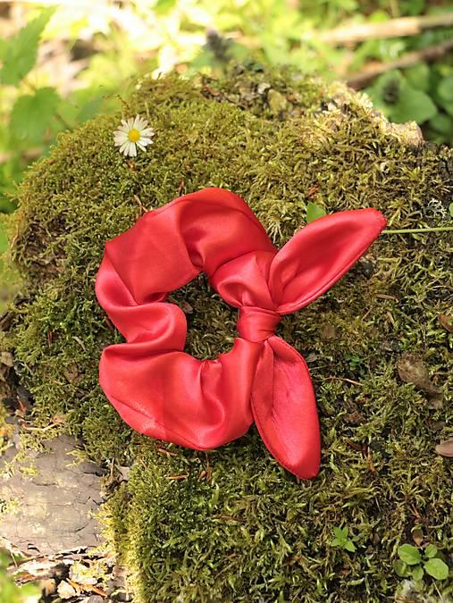 Scrunchies gumička ušatá saténová červená