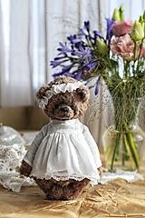 - Medvedica v šatách  - 13628313_