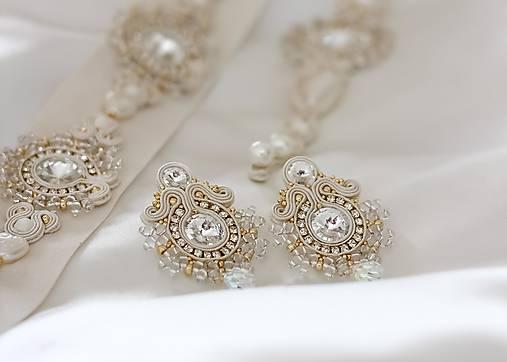 Svadobné šujtášové náušnice so Swarovski kryštálmi (Ivory-zlatá napichovačky)