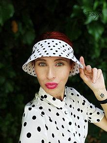 Čiapky - letní plátěný vázací kloboukový kšilt, mini puntík - 13628888_