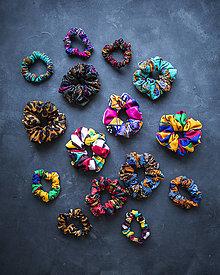 Ozdoby do vlasov - Veľké gumičky do vlasov, na ruku z Africkej kolekcie-Mix  farieb - 13632518_