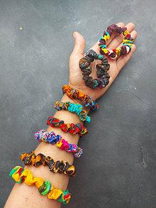 Ozdoby do vlasov - Malé gumičky do vlasov, na ruku z kolekcie Afrika-Mix farieb - 13633142_