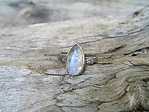 Prstene - Strieborny prsteň Ag925 Mesačný kameň - 13632798_